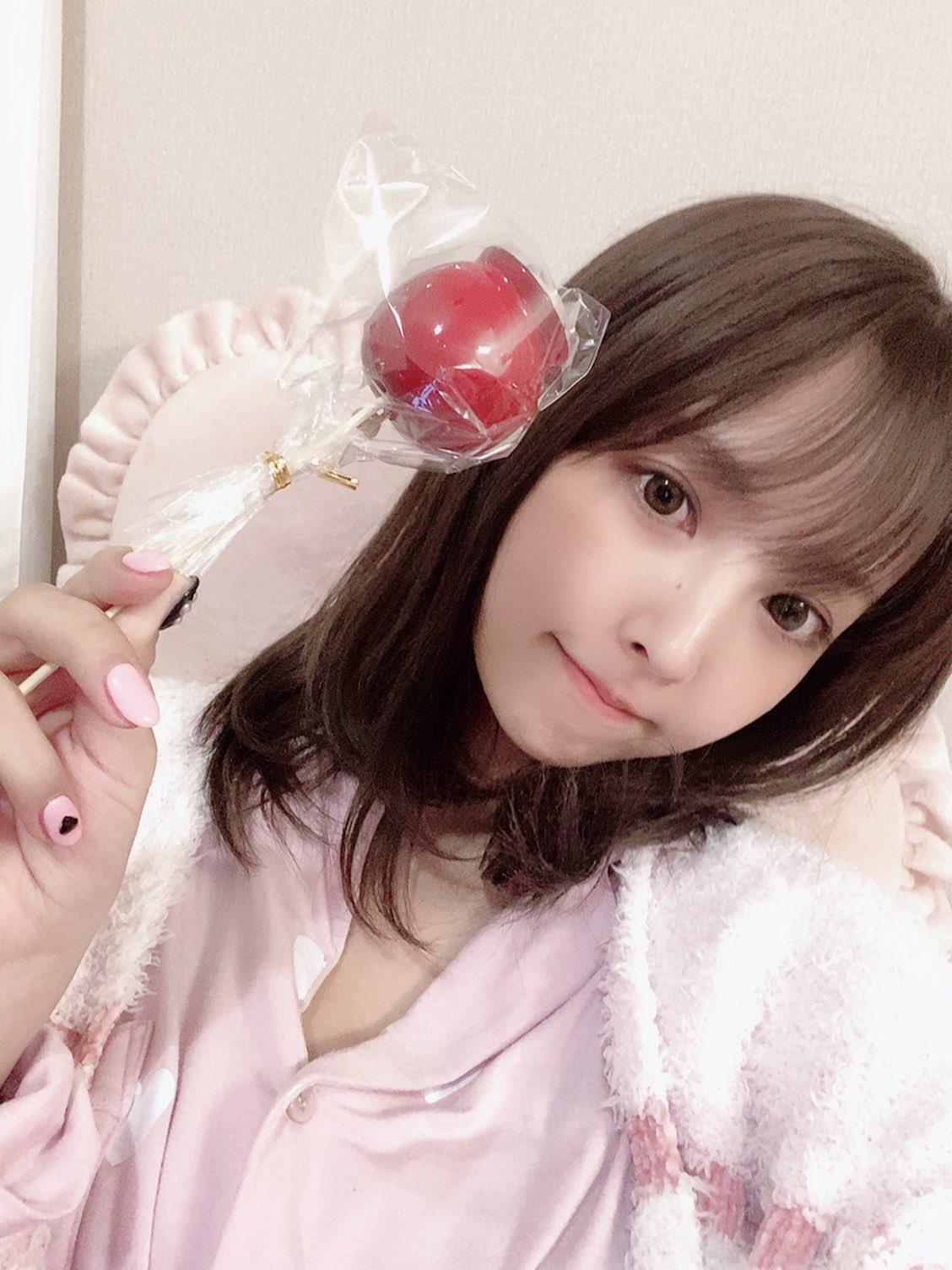 yua_mikami 1197367974186741760_p0