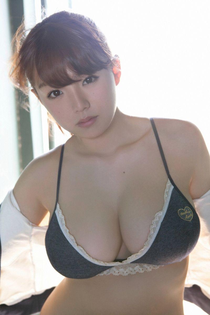 清纯妹子的性感美胸!