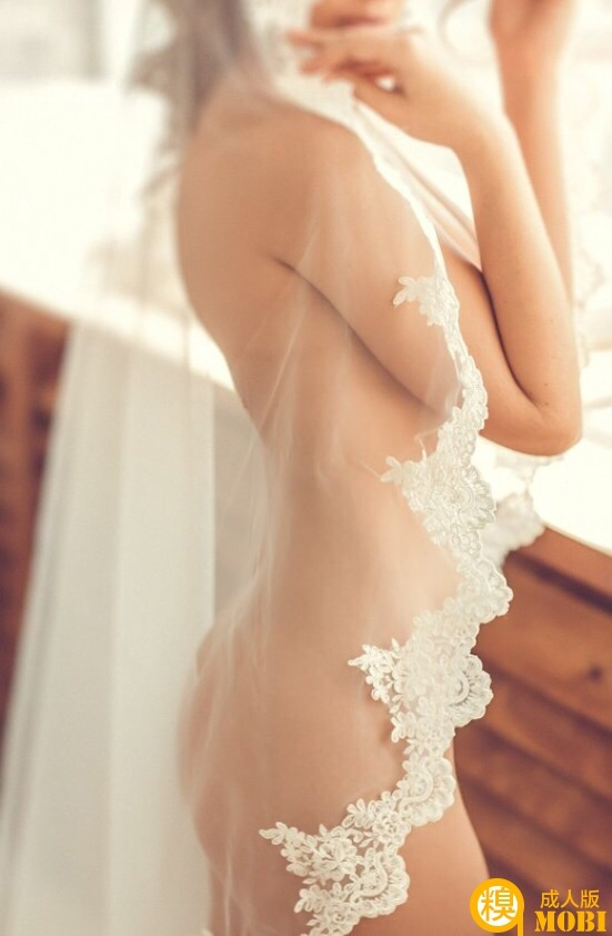 谁敢这样穿 好美的婚纱
