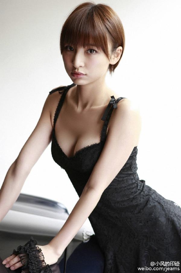 这不科学,筱田麻里子居然有胸……