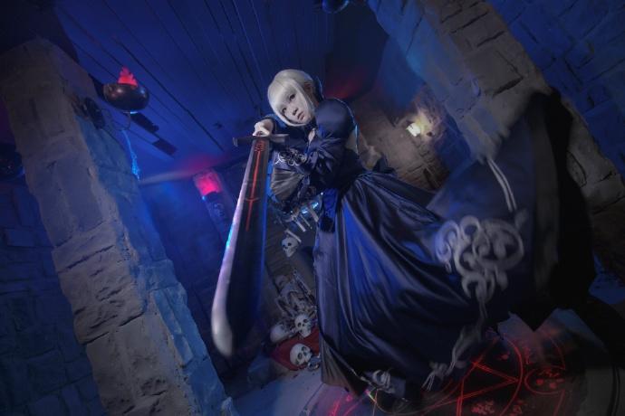 【cos正片】Fate/GrandOrder 黑saber#礼服Ver.欣赏 cn:寒殇 cosplay-第6张