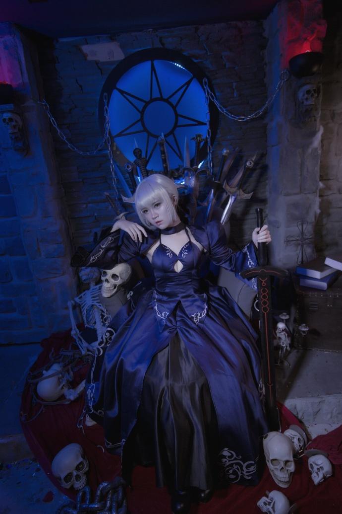 【cos正片】Fate/GrandOrder 黑saber#礼服Ver.欣赏 cn:寒殇 cosplay-第7张