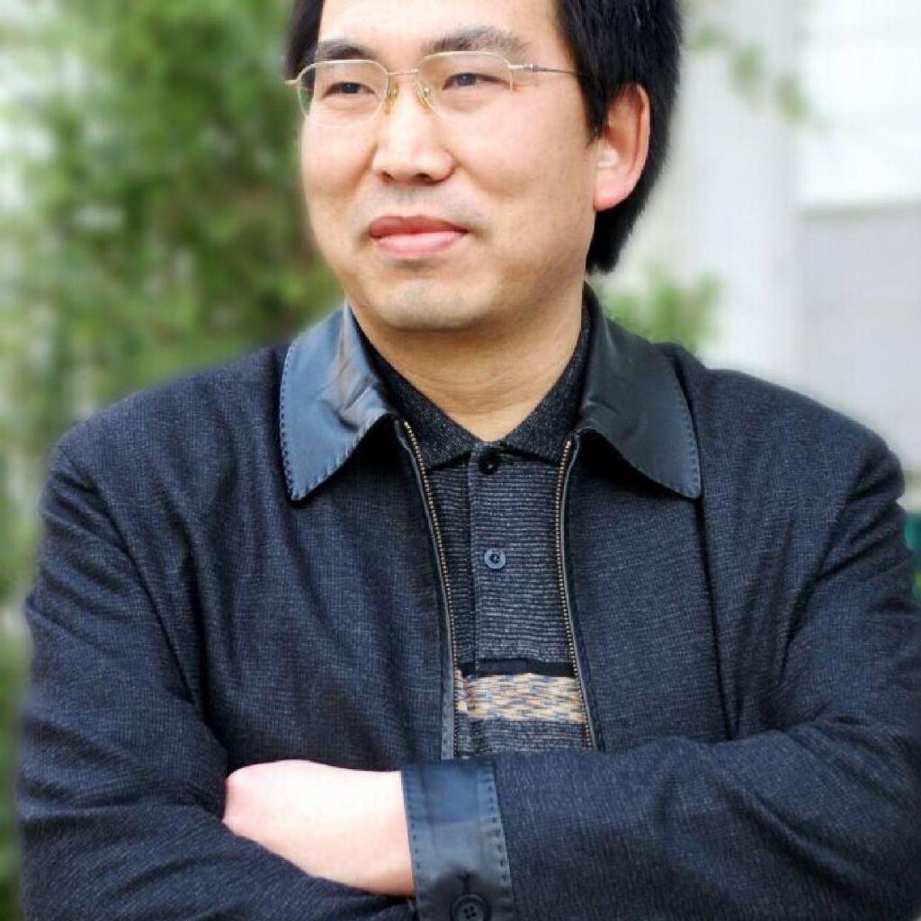 著名经济学家,财经金融评论家,华中科技大学兼职教授,新金融专家。在中国财经金融领域极具影响力与知名度。