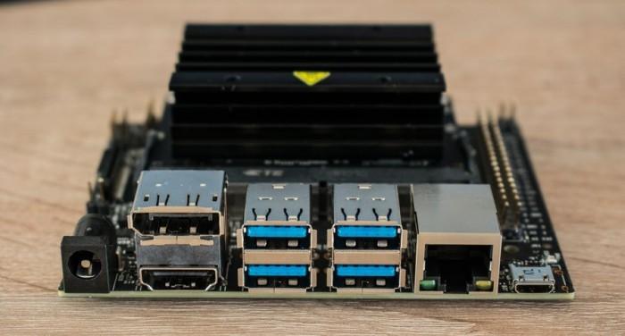 英伟达发布嵌入式电脑Jetson Nano:功耗仅5W的照片 - 3