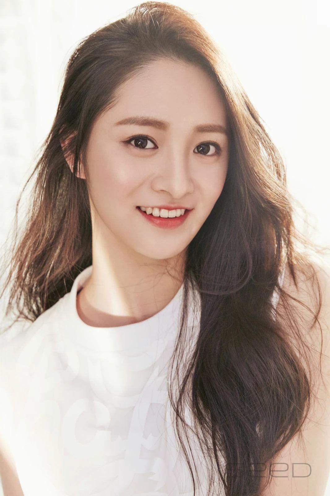 """这8位拥有""""陶瓷皮肤""""的韩国女偶像,让粉丝超羡慕插图3"""