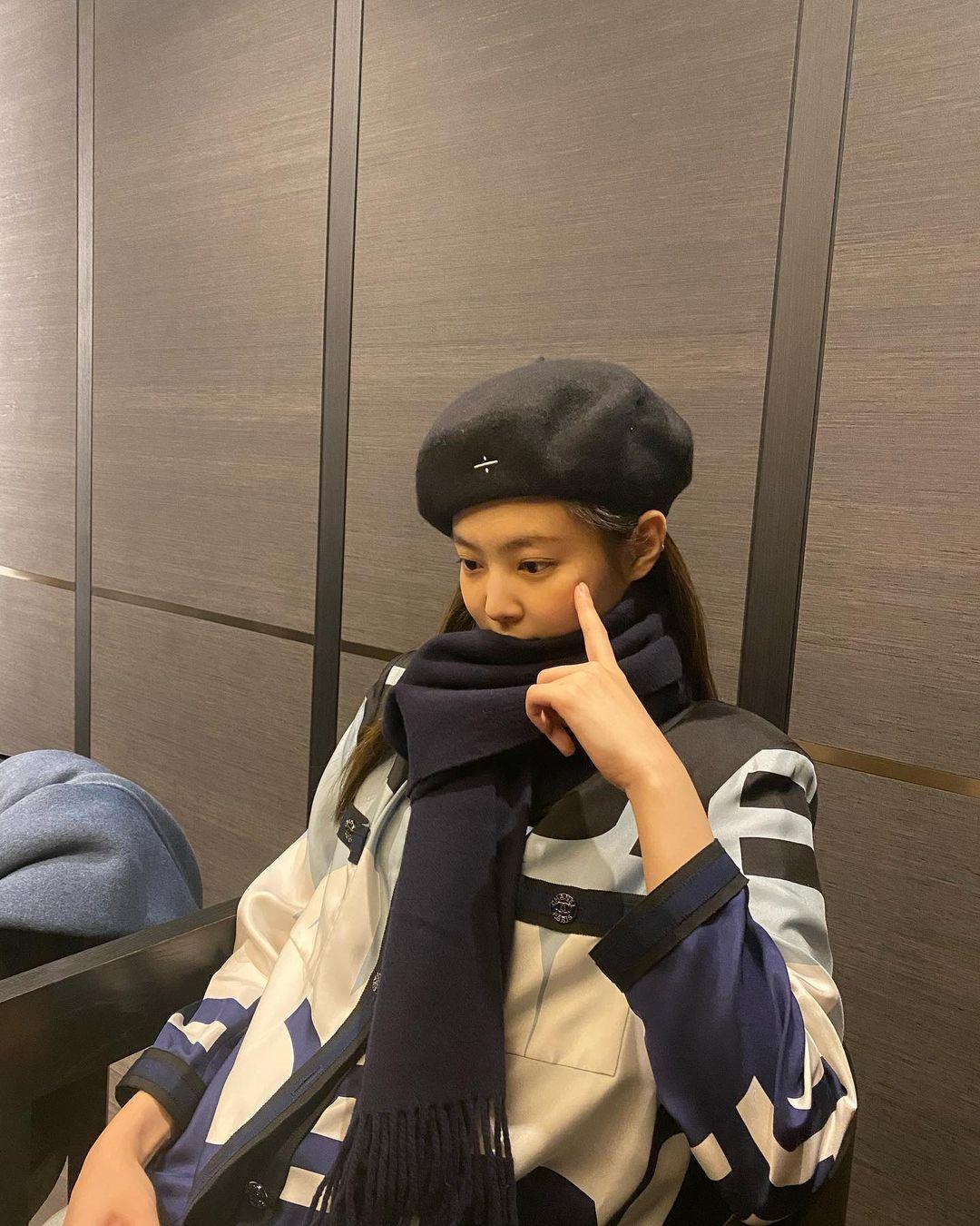 寒流来了! BLACKPINK成员们这样穿搭围巾,姐妹们学起来吧!插图6