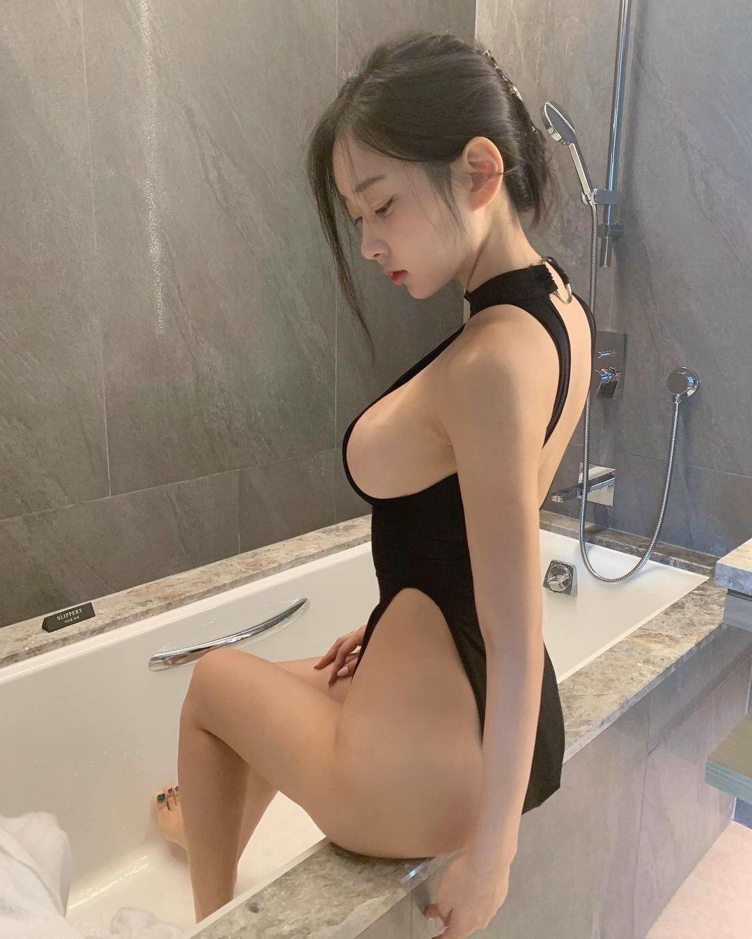 韩国美女博主zennyrt申才恩成为ins新晋网红,丰满身材让人着迷! 第3张