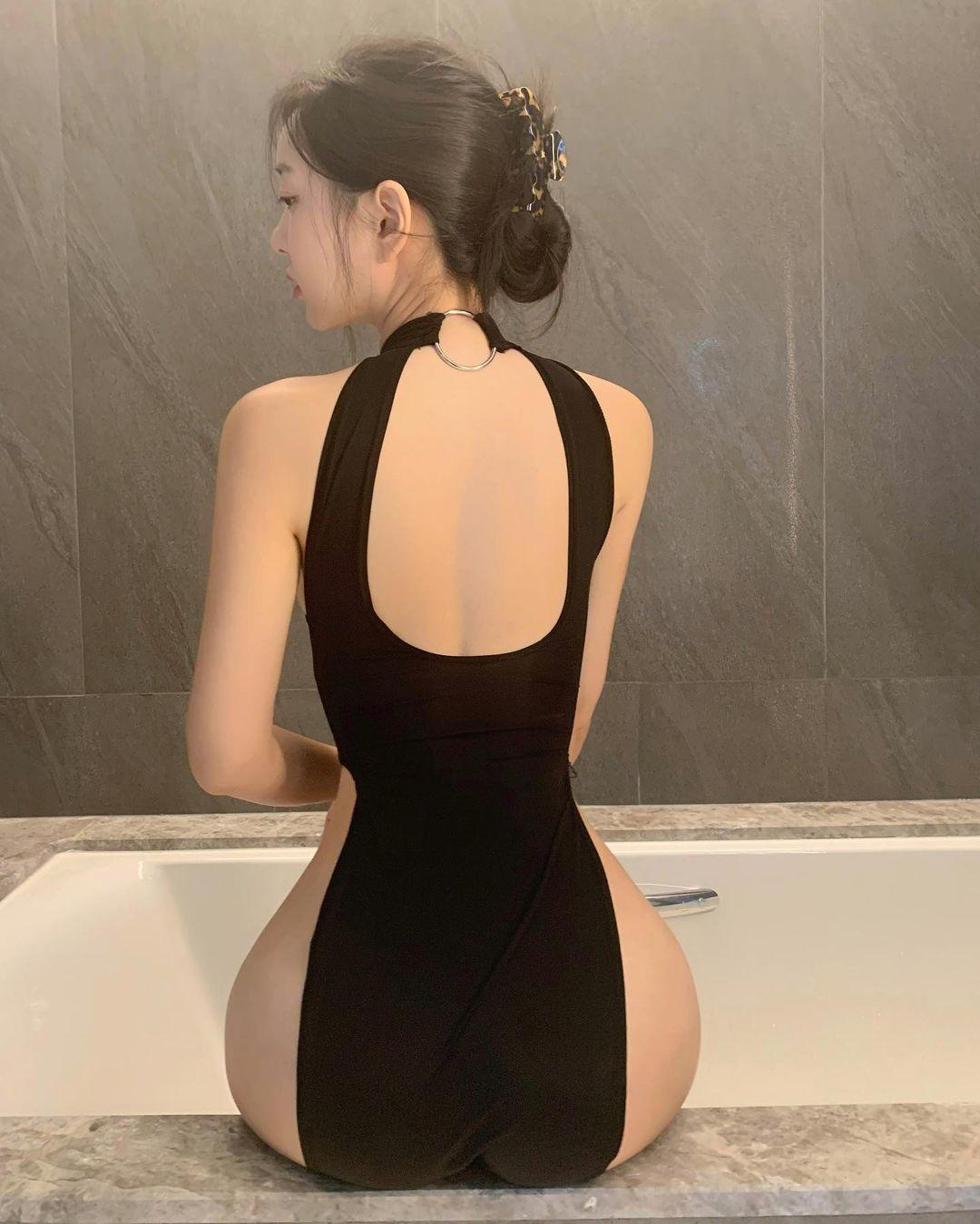 韩国美女博主zennyrt申才恩成为ins新晋网红,丰满身材让人着迷! 第2张