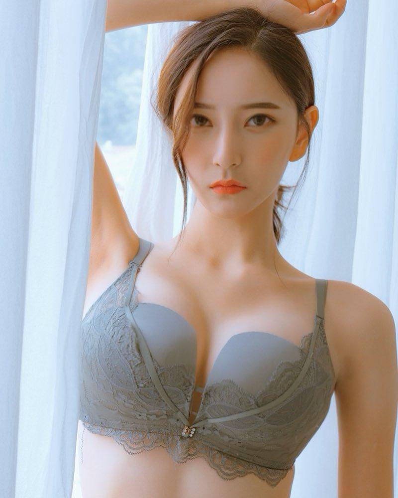 御姐范(李丞慧이승혜  ins:__seungsuni)