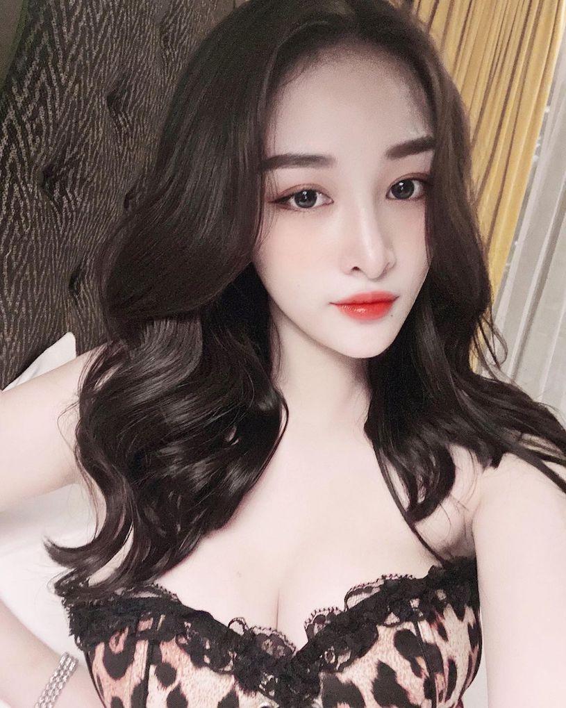 越南辣妹「Khánh」比基尼现出雪白,极致的S曲线让人给100分!插图5