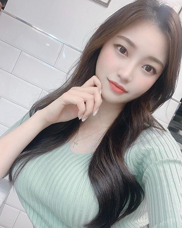 韩国健身正妹SUA紧身运动装让好身材一览无遗