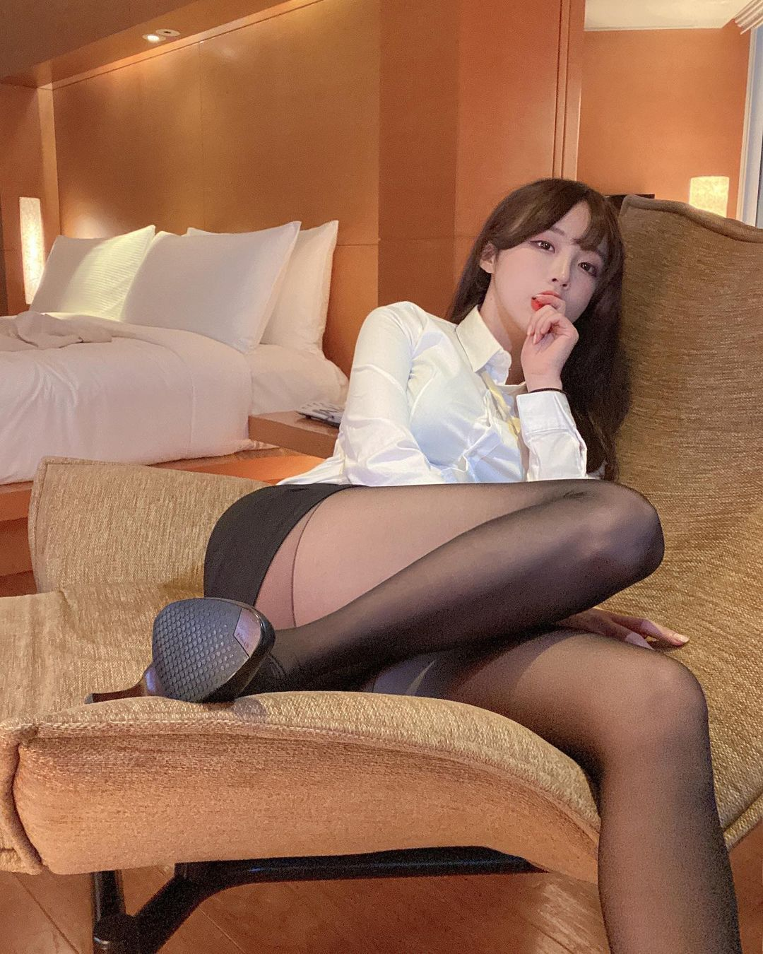 韩国美女主播김아영秘书套装黑丝包裹大腿超性感 美图 热图3