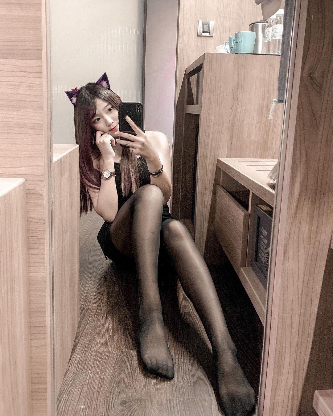 美女设计师@Chen臻儿 黑丝长腿上下都有料 宅男先生 热图4