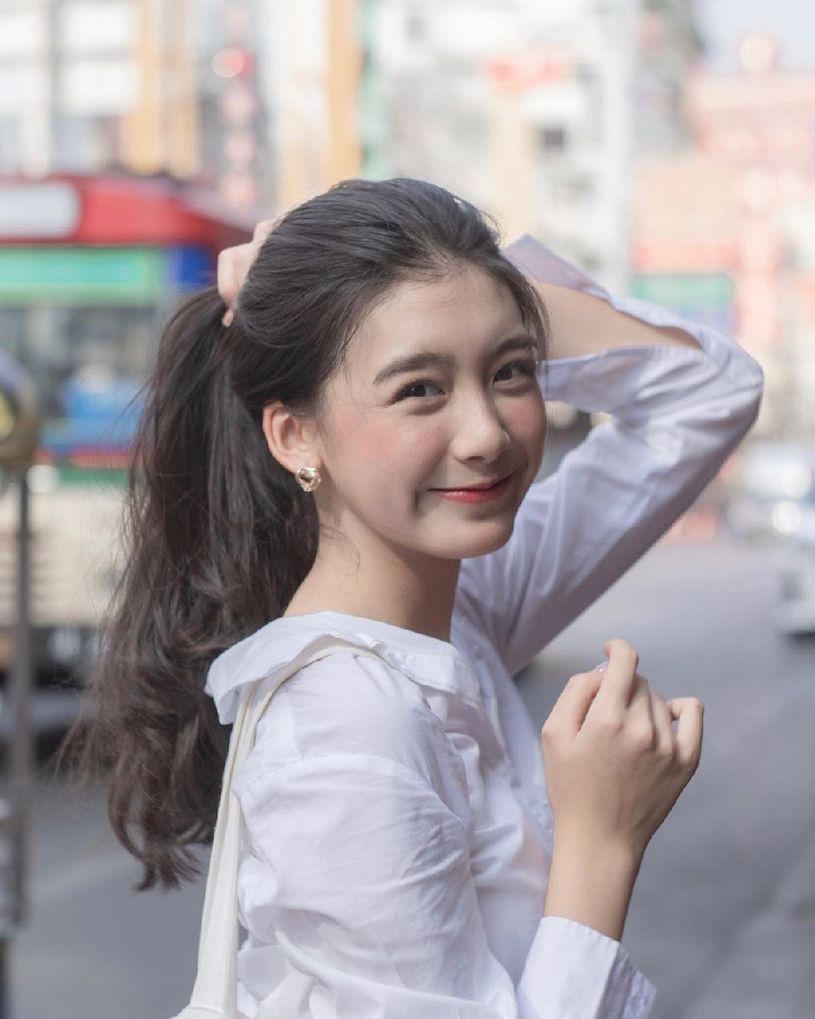泰国初恋系美女Perthkvsr S曲线好撩人  养眼图片 第2张