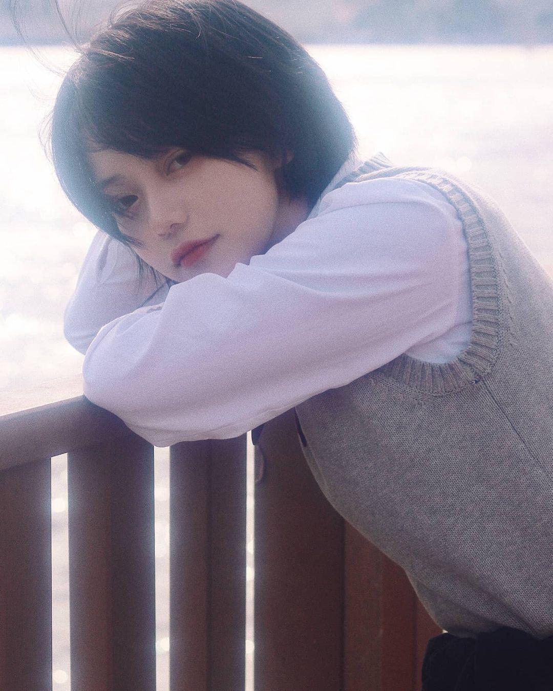【喵妹】清纯短发妹「ソニョン」甜美气质让人无法抗拒超梦幻「迷蒙笑容」仿佛从二次元走出