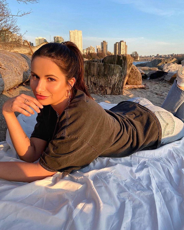 极品正妹Alyssa Aroy脸蛋精致气质非凡纤细身材配上挺翘蜜臀 福利吧 热图6