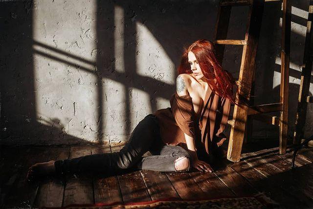 红发美女《Eva Chehova》神造美体搭上中性美颜,简直是艺术的维纳斯. 网络美女 第8张