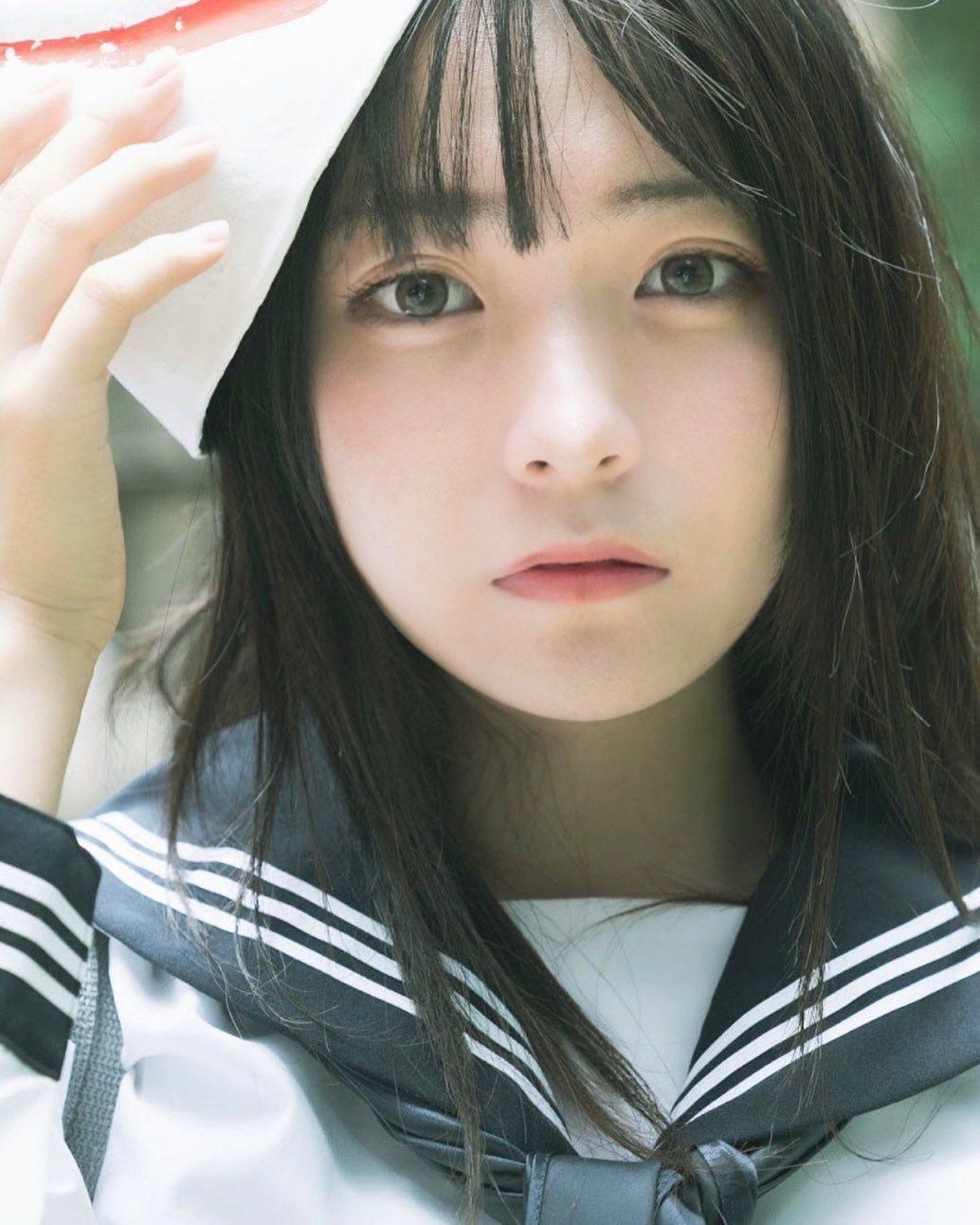 17岁仙女高中生瀬戸りつ绝美长相激似IU 全身散发空灵气质美到有点不真实 养眼图片 第21张