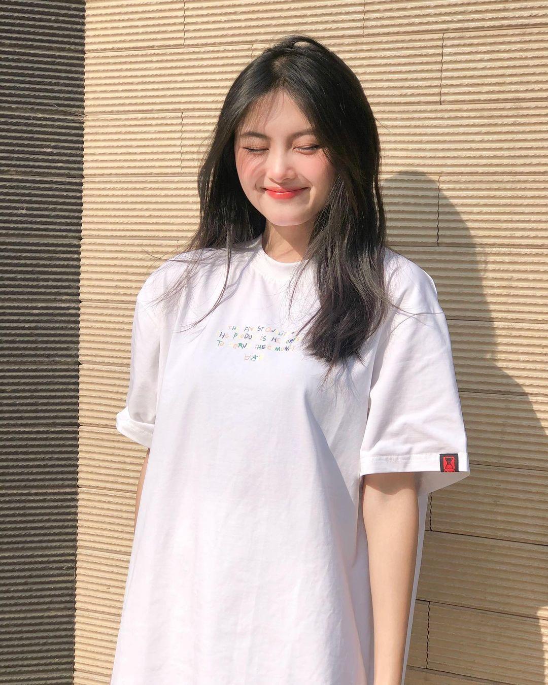 [人物]清纯越南妹子「Leely」辣穿奥黛,让人不被她掳获都不行啊. 养眼图片 第6张