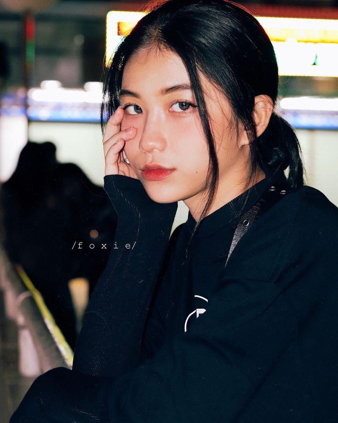 天菜越南妹「Kim Anh」迷蒙眼神仿佛随时在放电空灵气质更是无比疗愈人心 养眼图片 第6张