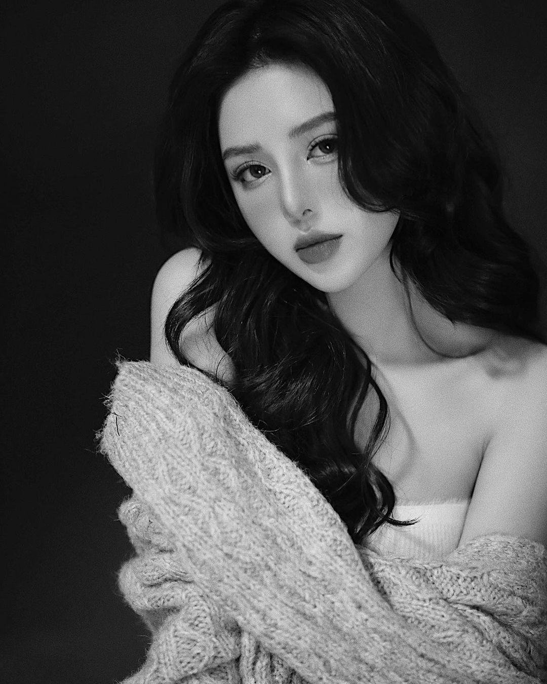 越南版范冰冰.「BaoBei」身材火辣超敢穿,透肤蕾丝秀「白嫩+小蛮腰」.