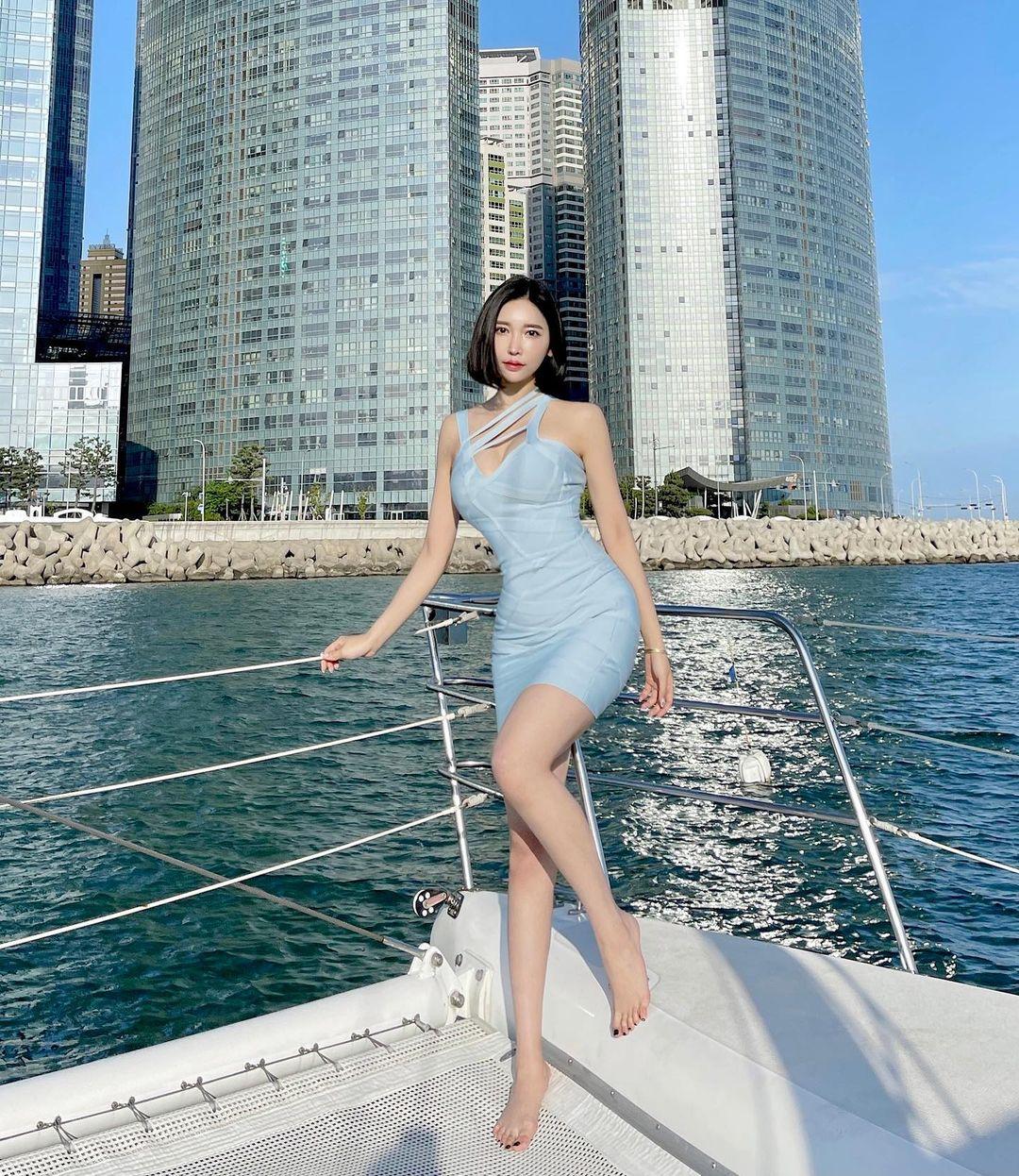 韩国高人气网红短发甜姐儿Hyejjin,泳衣加码放送美腿-新图包