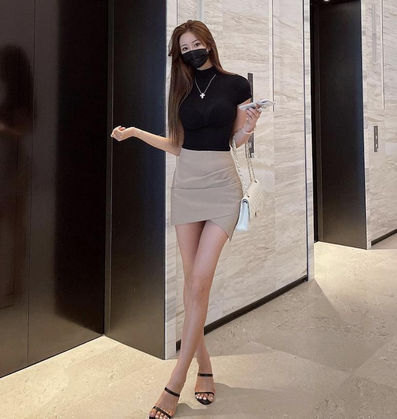 九头身长腿气质正妹shonyroom展现超性感身材!完美高颜值也很迷人-新图包