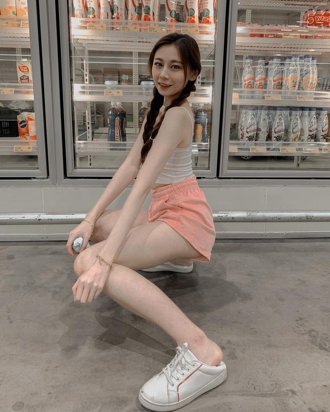 马来西亚的网红美女[思欣],可爱外型散发满满气质-新图包