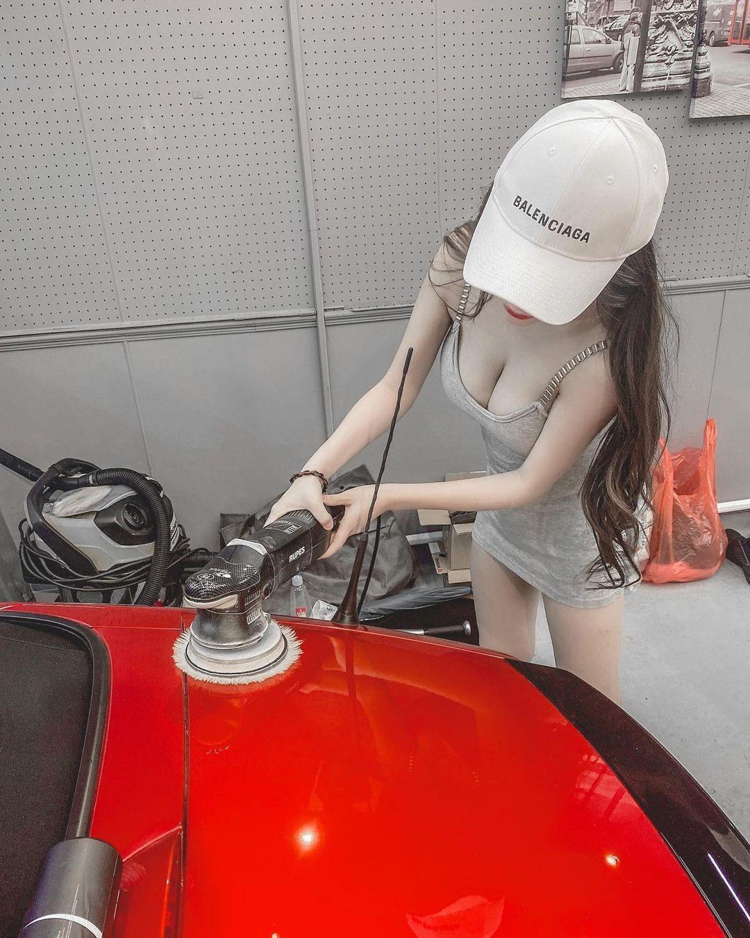 多才多艺音乐女孩Queena莙莙气质又性感火辣身材无法忽视 网络美女 第8张