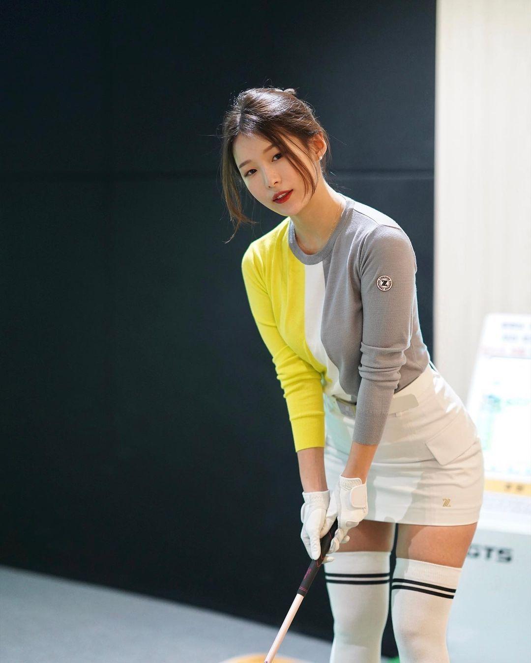 韩国高尔夫正妹Becky 狂吸 33 万粉丝好身材更让人心动 养眼图片 第4张
