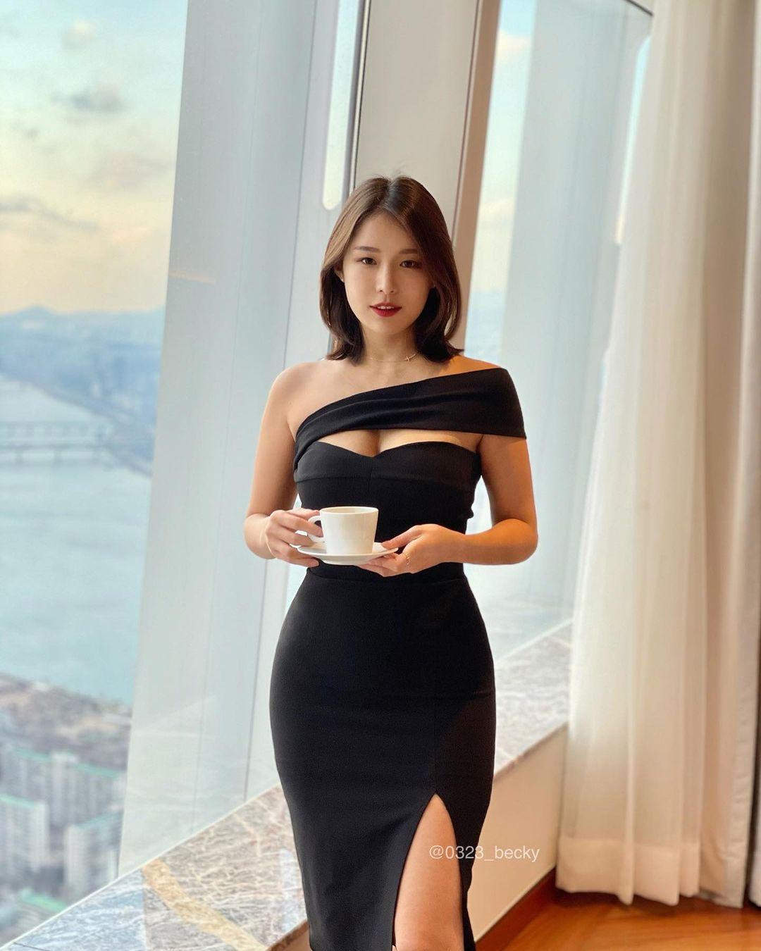 韩国高尔夫正妹Becky 狂吸 33 万粉丝好身材更让人心动 养眼图片 第13张