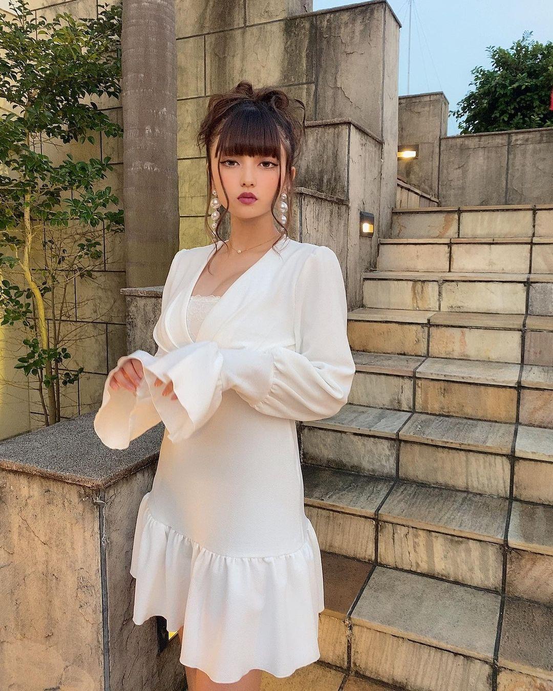 今年刚高中毕业 18 岁美少女樱井音乃身材整个无敌 网络美女 第15张