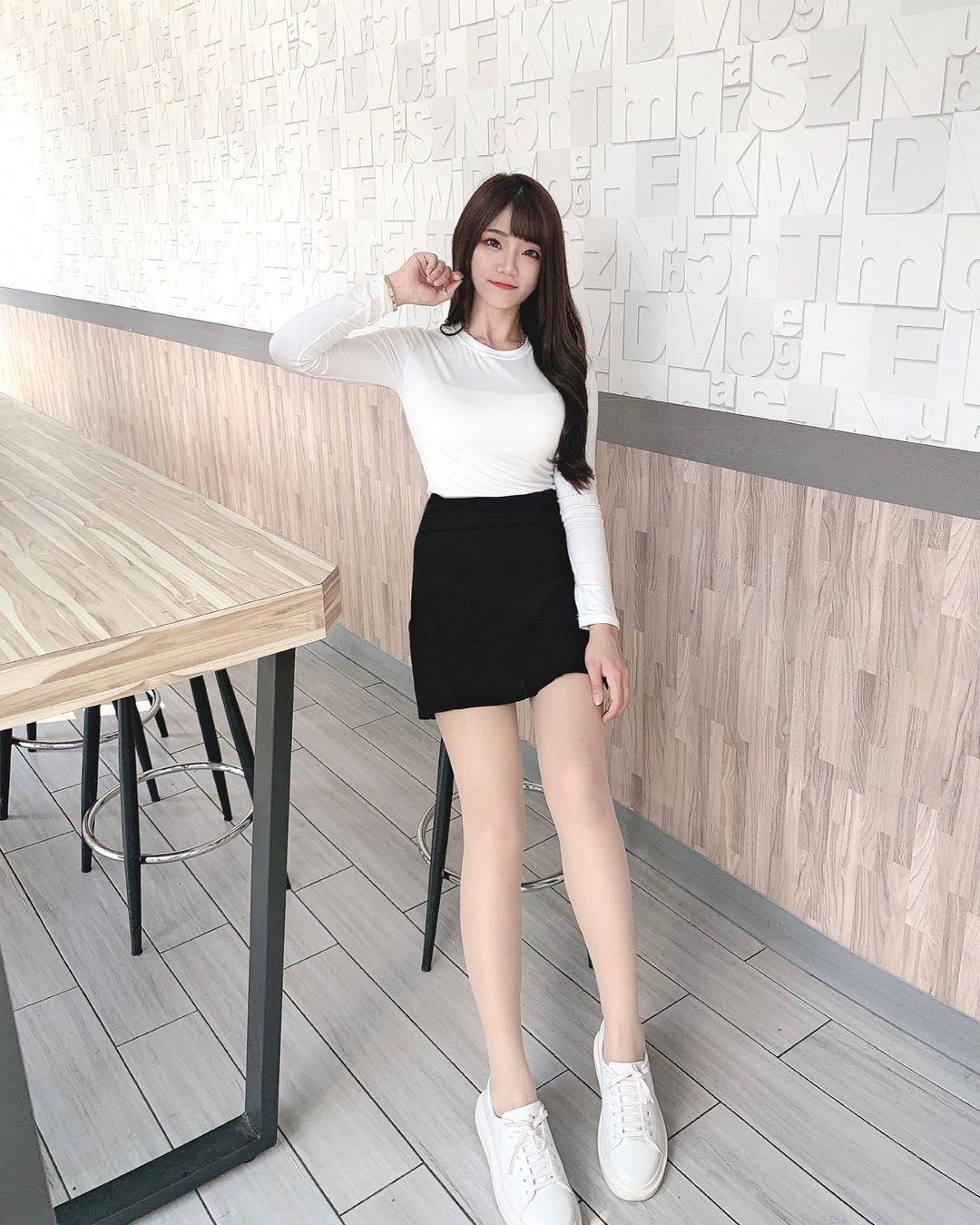 清纯甜美的正妹平面设计师Chen臻儿 多才多艺还有好身材 养眼图片 第9张