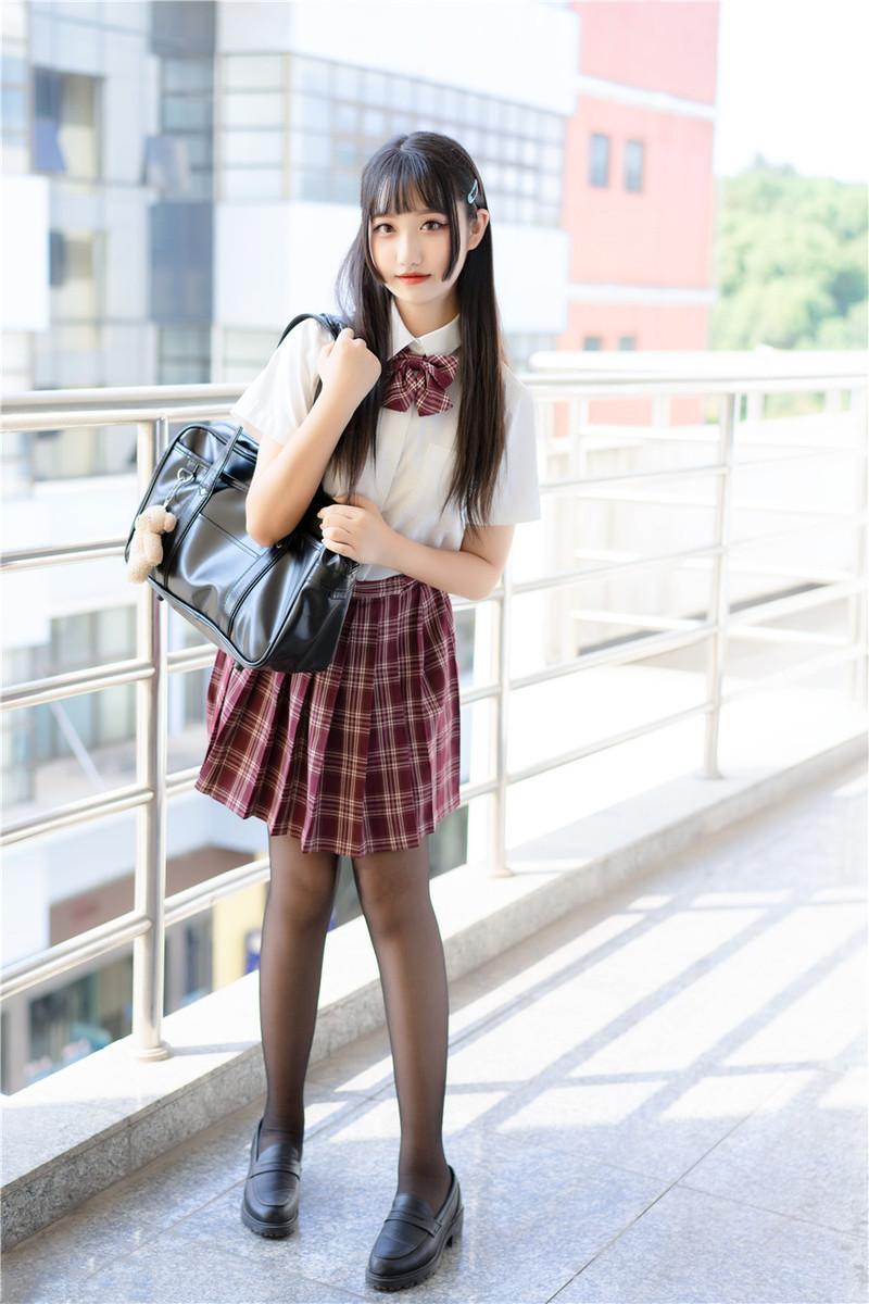 KTKZ-073 宫原友香(Miyahara-Tomoka)在公园旁若无人的~