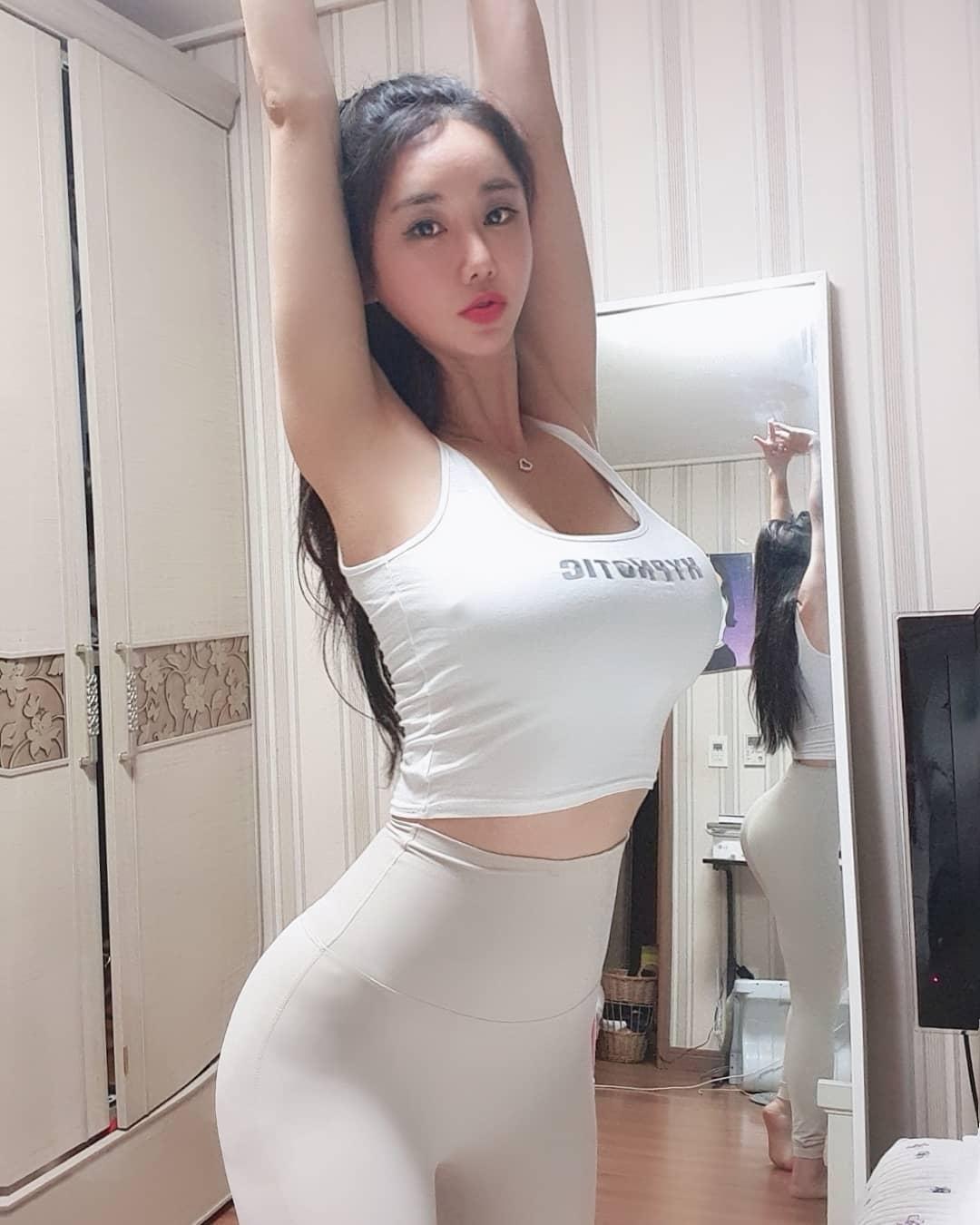 韩国美女模特Candyseul 这身材100分有没有