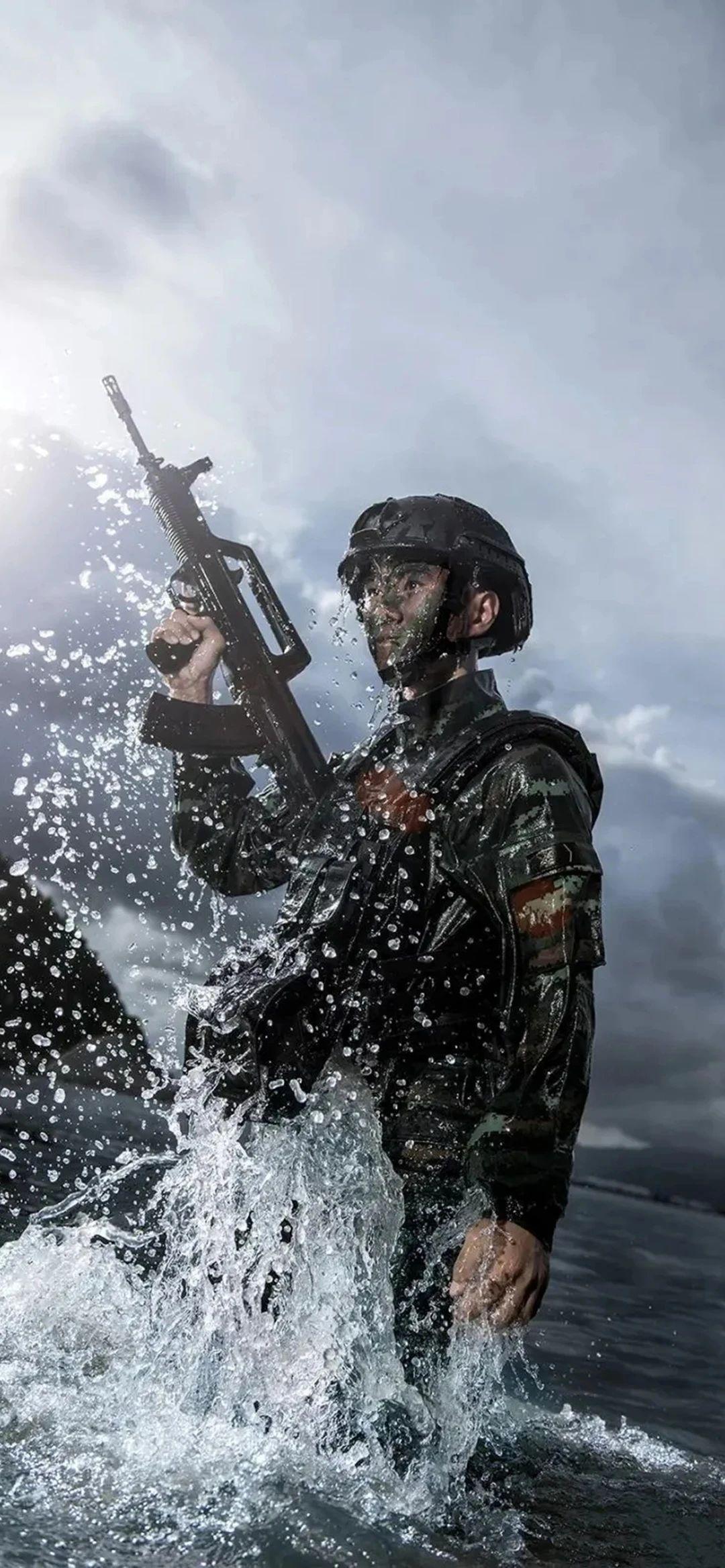 5f4fac607119b - 军人壁纸:哪有什么岁月静好,不过是有人替你负重前行
