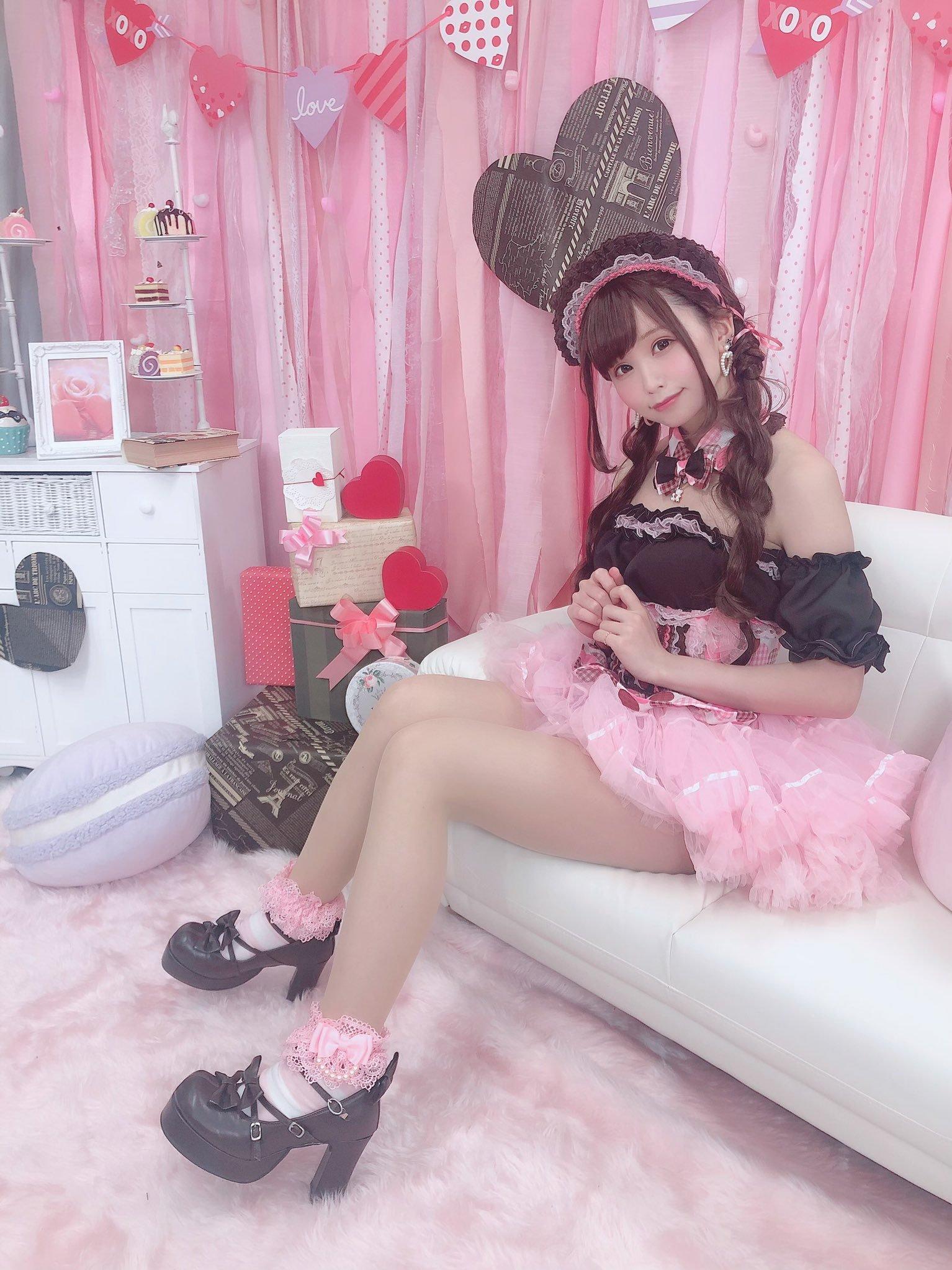 itsuki_akira 1228961708653211649_p3