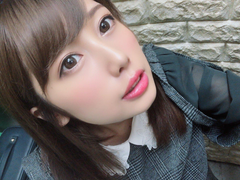Sakura_KRSM 1188454213593923585_p1