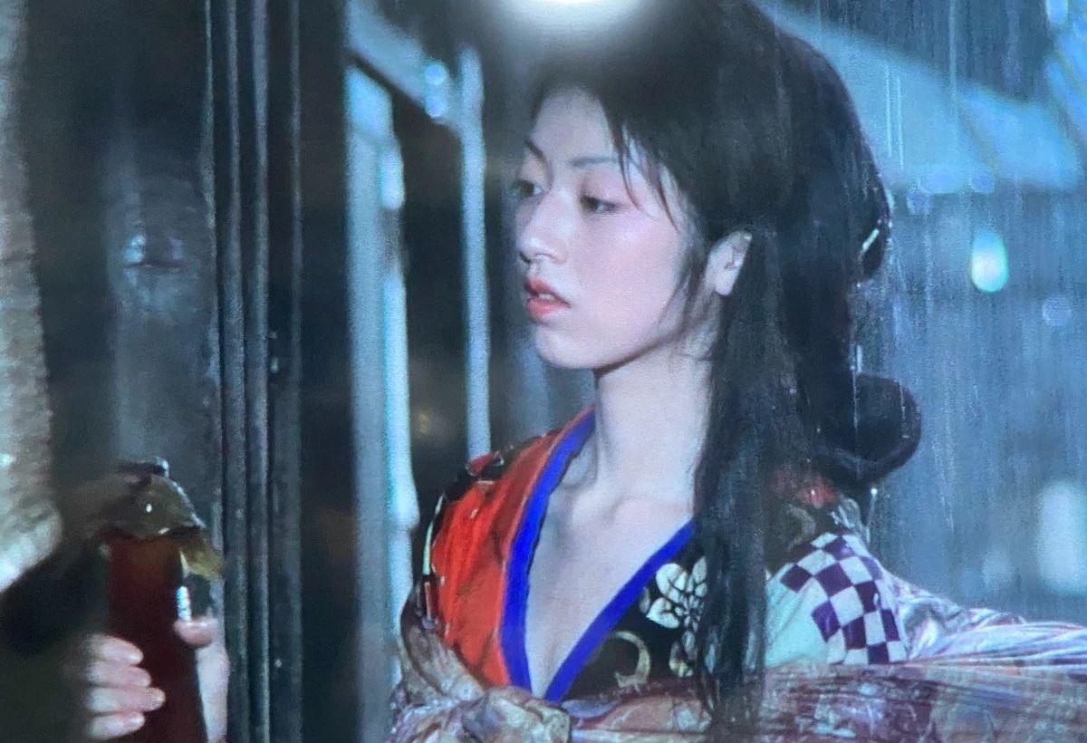 干了不少对日本网友有吐槽点事情的高冈早纪这么多年却没有翻过车 (7)