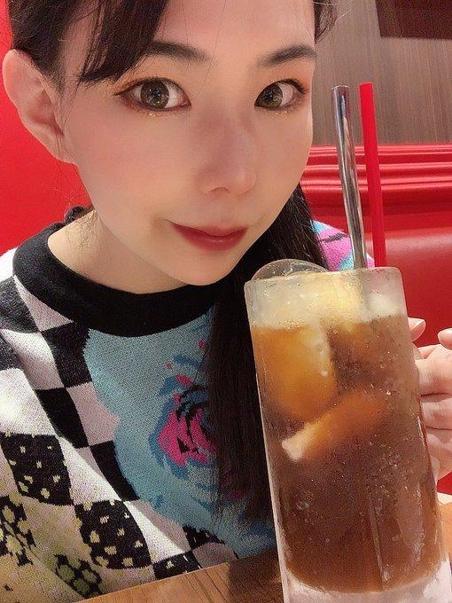 JUFE-342有两年战斗经验的吉根ゆりあ(吉根柚莉爱)表演一镜到底喝豆浆 (6)