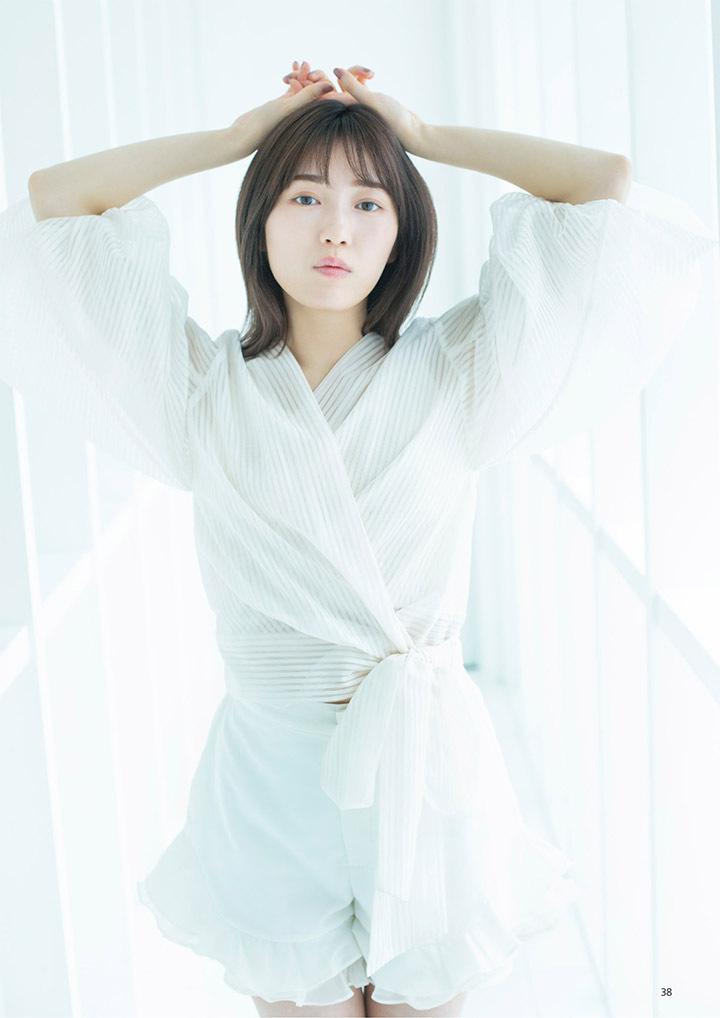 正统派偶像渡边麻友为音乐剧公演而拍摄写真作品大力宣传拉升人气 (5)
