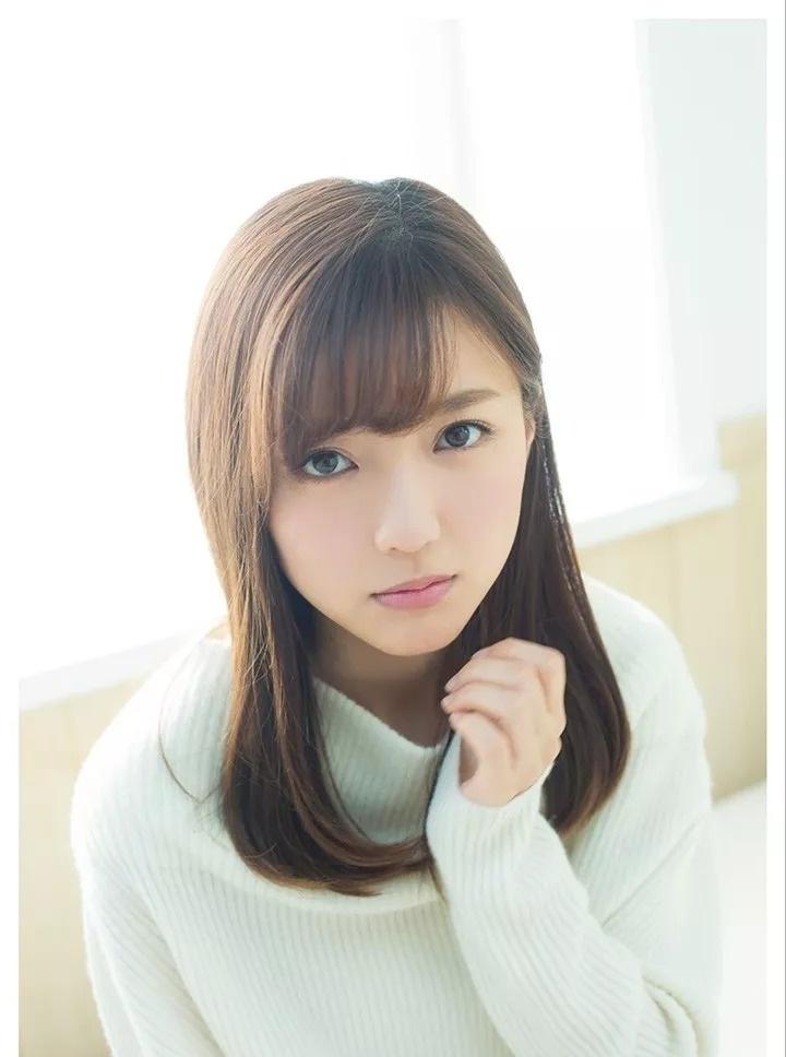 清纯可爱的最终少女真野惠里菜写真集