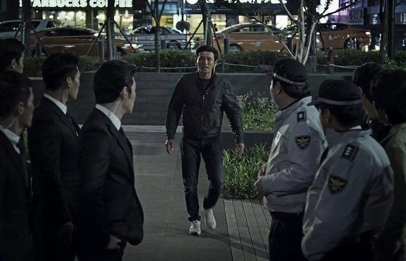 韩国犯罪电影《老手》人民的正义也许会迟到,但是从来不会缺席 (2)