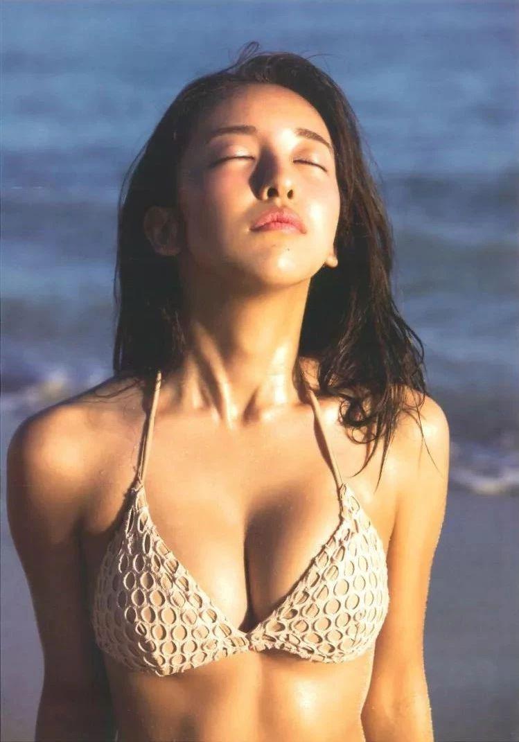 """AKB48的""""时尚教主板野友美写真作品 (12)"""