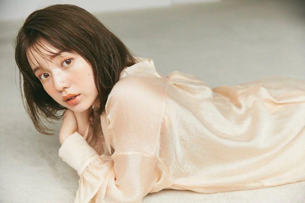 永远一张娃娃脸的棉花糖女孩弘中绫香写真作品 (37)