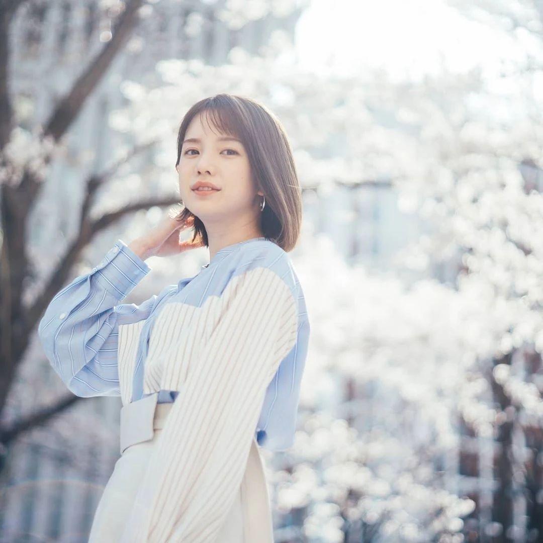 永远一张娃娃脸的棉花糖女孩弘中绫香写真作品 (71)