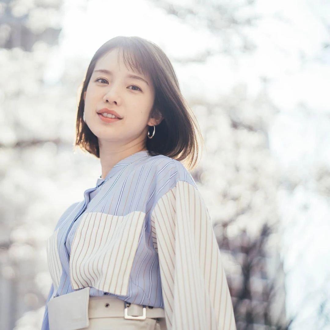 永远一张娃娃脸的棉花糖女孩弘中绫香写真作品 (73)