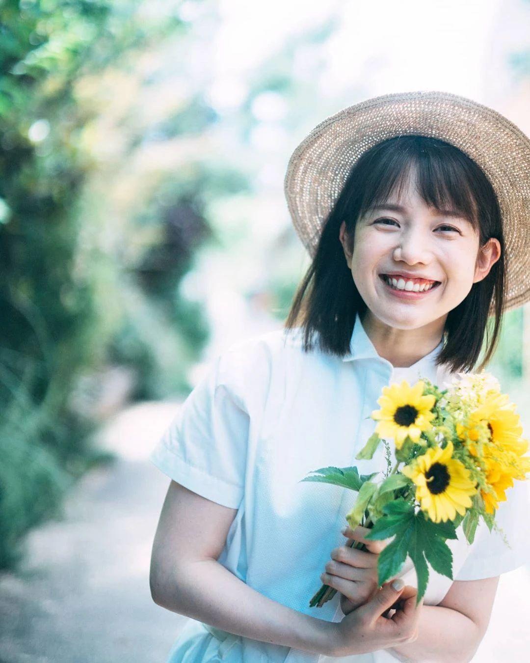 永远一张娃娃脸的棉花糖女孩弘中绫香写真作品 (79)