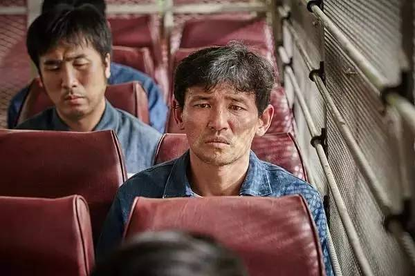 韩国电影《检察官外传》再次证明了知识可以改变命运的正确性 (6)