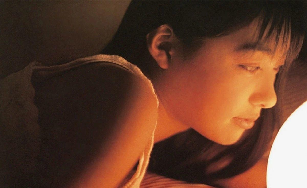 被锁在保险柜里的日本艺人吹石一惠的写真作品 (10)